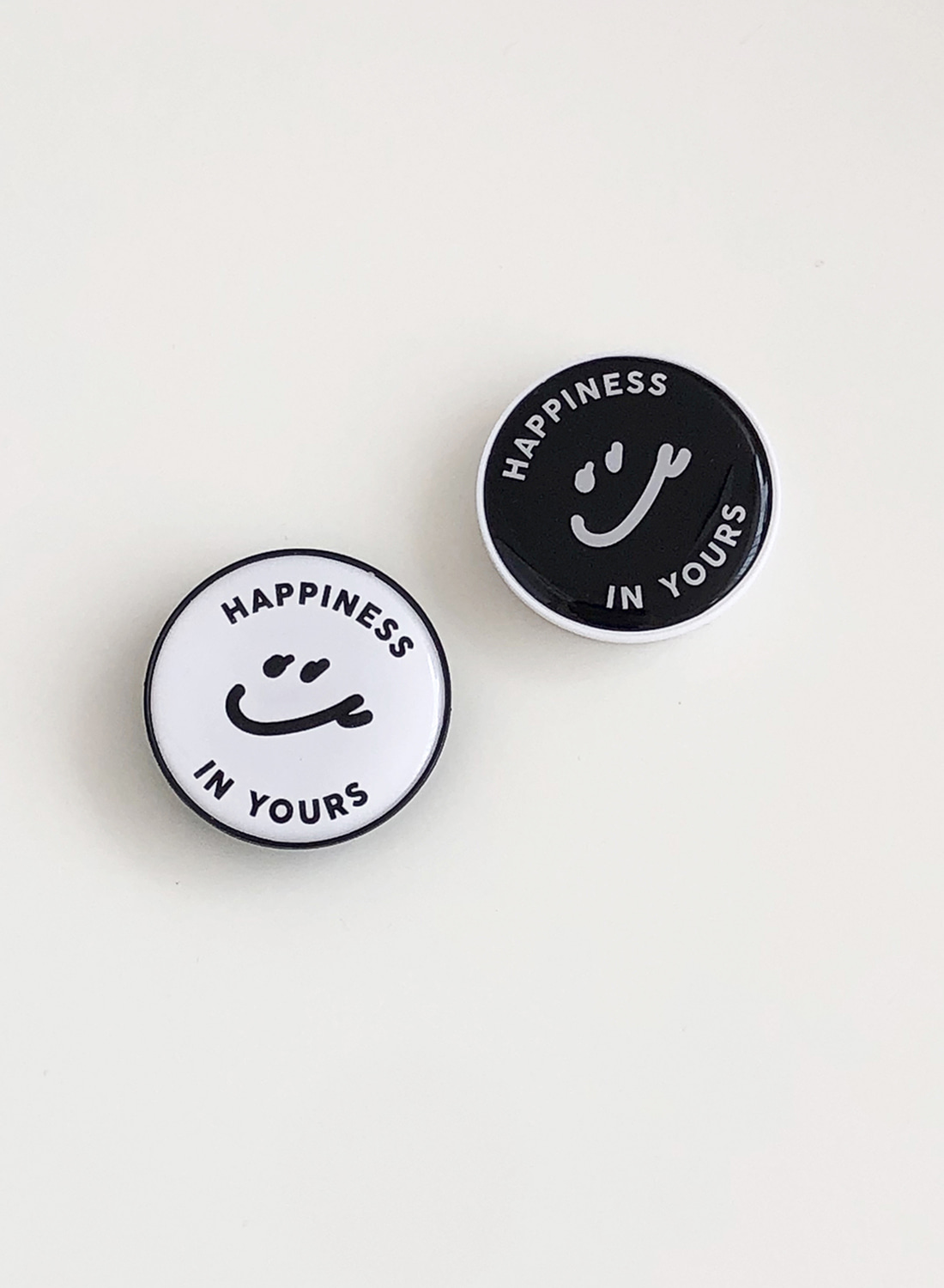 [예약주문 할인 ~11/22] Happiness in Yours Griptok (White/Black)